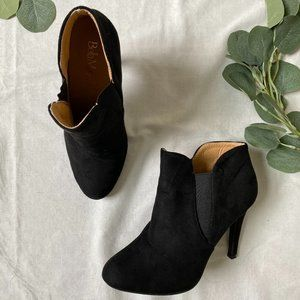 Black suede high heel ankle boots - Size 9